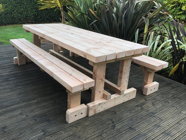 Drem Timber and Fencing are timber specialists based in East Lothian. Larch Table