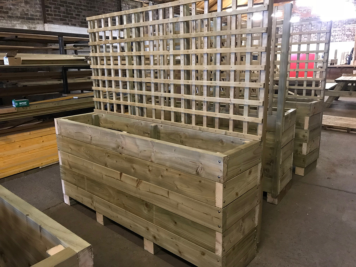 Drem Timber and Fencing are timber specialists based in East Lothian. Manufactured Planters